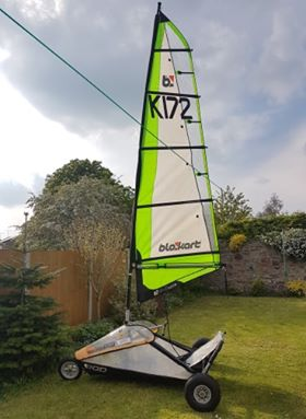 Sport kart with a glass mast 4m sail and a Pod