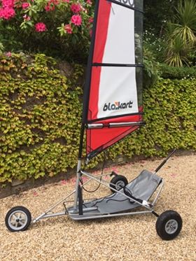 Sport kart with 3m and 4m sail